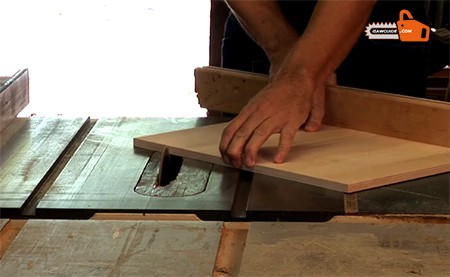 How to Cut an Angle on a Table Saws