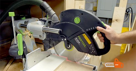 How to Make Straight Cuts With a Circular Saws
